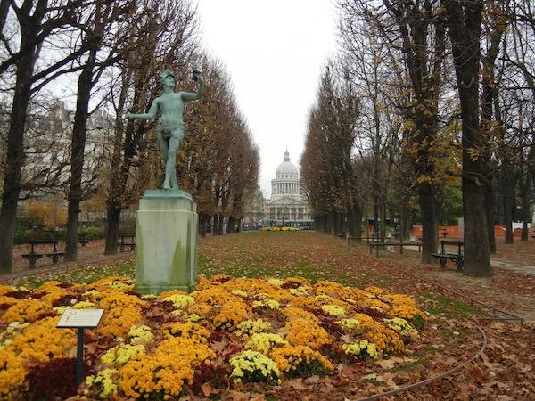 Jardin du Luxembourg copyright www.onlineflowergarden.com