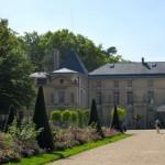 Chateau de Malmaison copyright https://www.onlineflowergarden.com